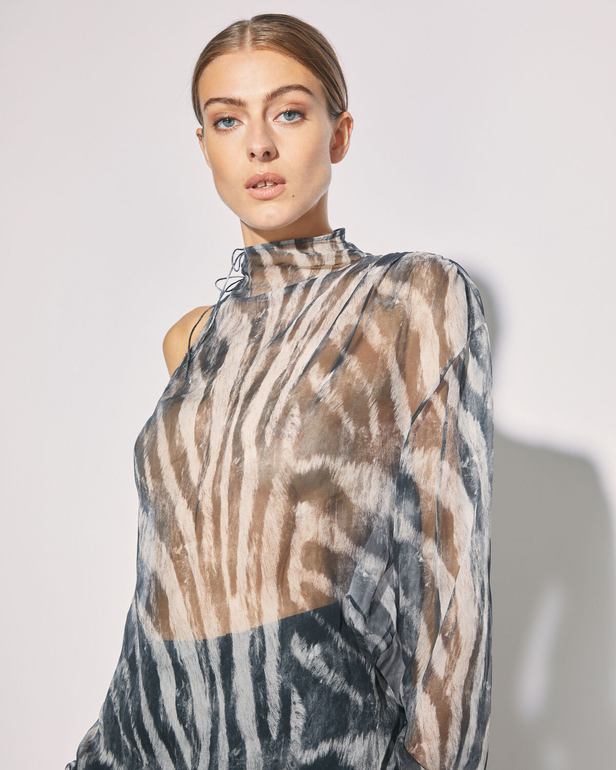 IRO - GAIANE ONE SLEEVE ZEBRA PRINT TOP BLACK ZEBRE WASHED GREY