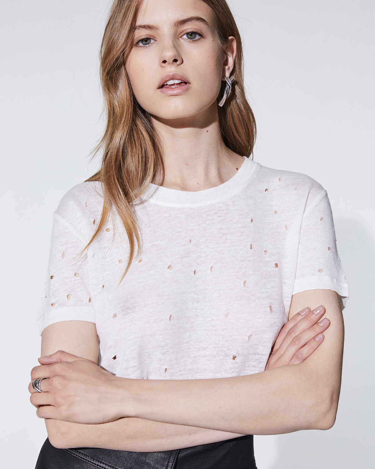 Photo of IRO Paris Clay T-Shirt Ecru - This Slightly Transparent And Destroying Linen T-shirt Is A Basic Part Of The Iro Cloakroom, Easy To Wear According To The Seasons. T-Shirts