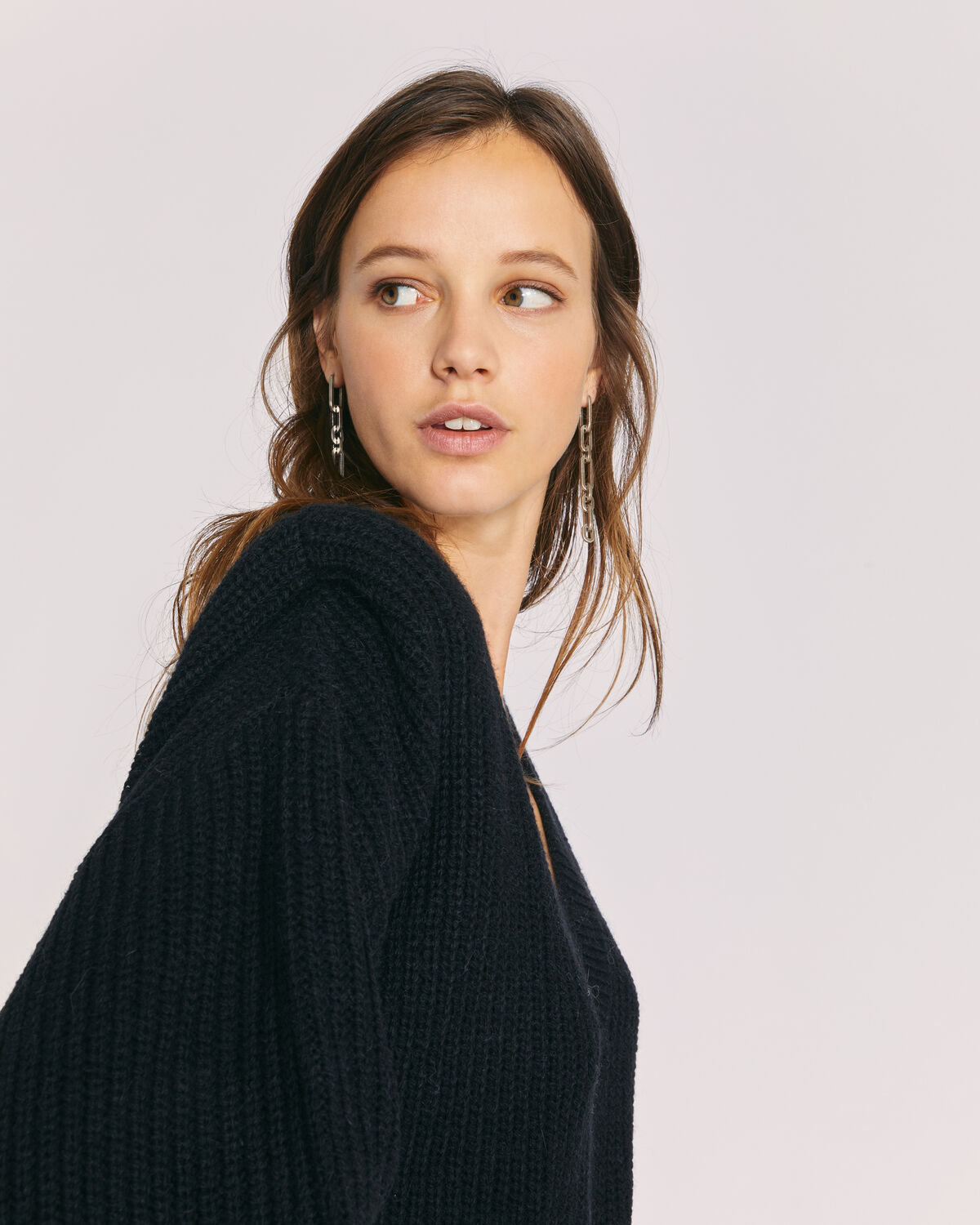 IRO - MISTY SHOULDER PAD V NECK SWEATER BLACK