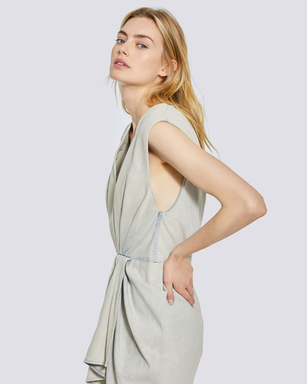 IRO - MARG SLEEVELEES PLEATED DENIM DRESS  BLEACHED USED