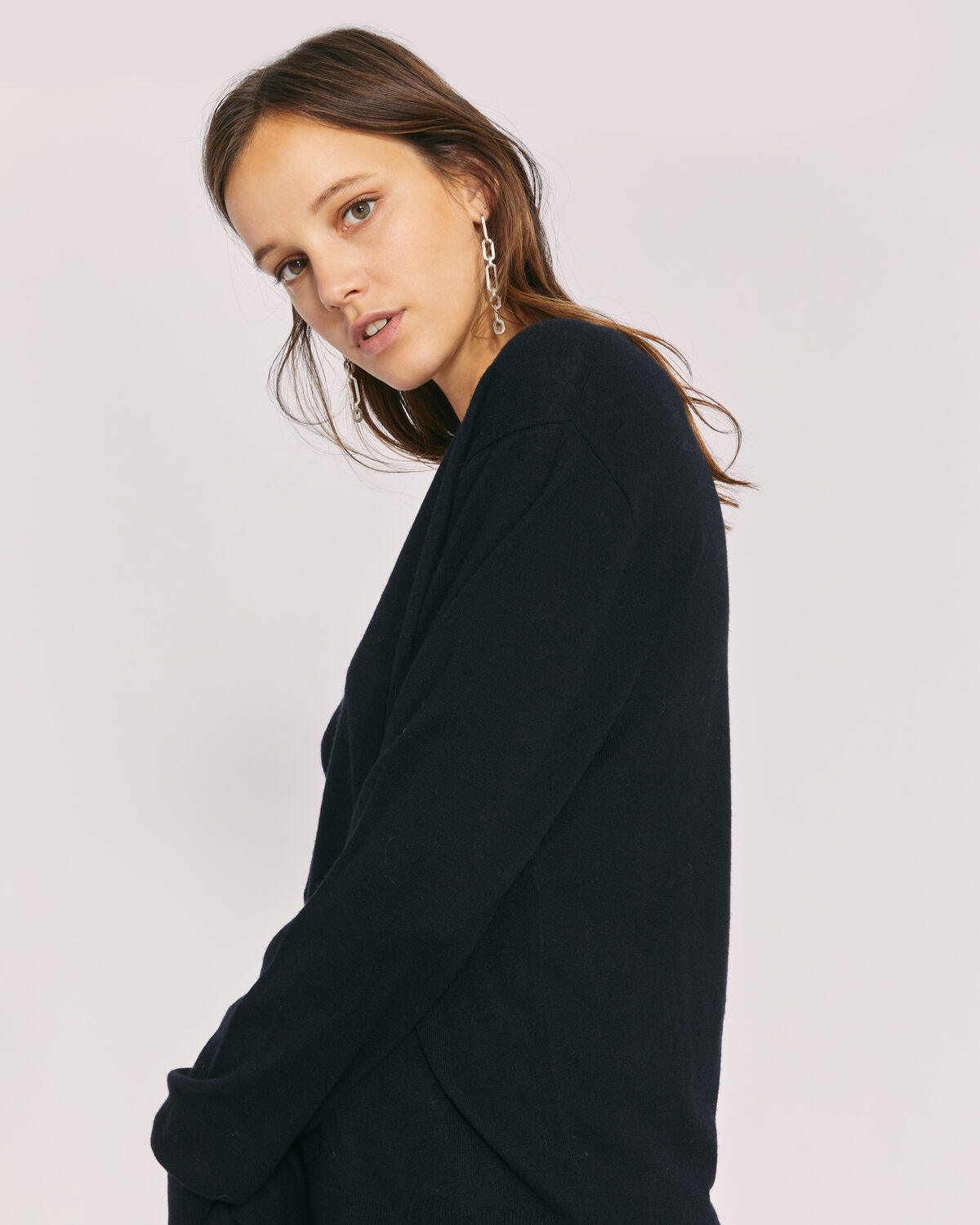 IRO - SOPHYA LIGHTWEIGHT V NECK SWEATER BLACK