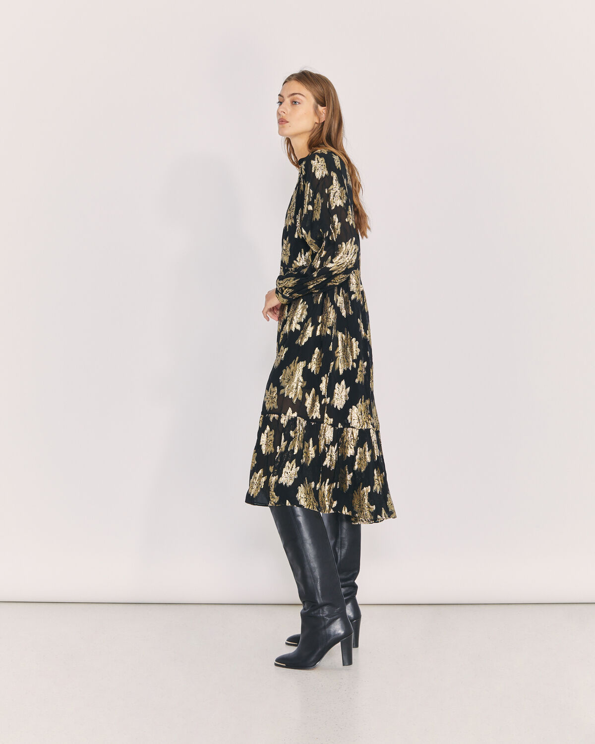 IRO - KATTE OVERSIZED METALLIC FLORAL MIDI DRESS BLACK/GOLD